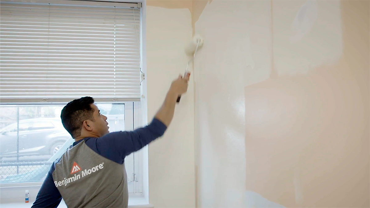 Benjamin Moore Partners with Fine Homebuilding to Award Scholarship