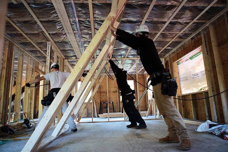There's a construction job for you in 2019, new report says